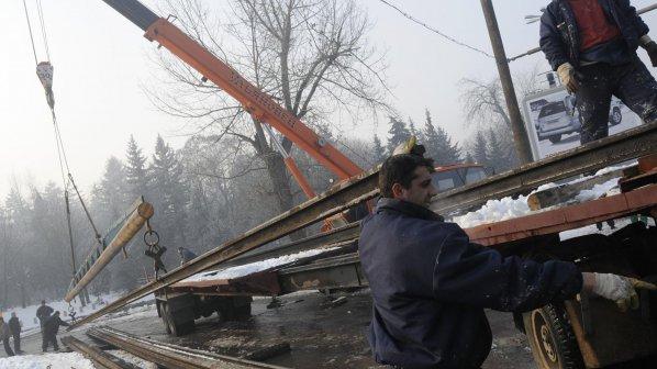 Крадци отмъкнаха 460 метра жп релси