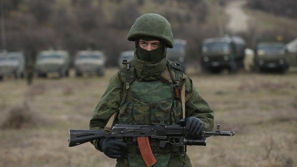 Русия продължава да прехвърля войски в Крим! Киев: Няма да отстъпим (обновена)