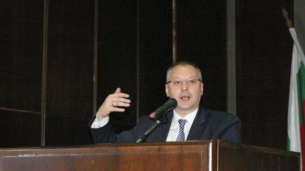Станишев: Ако Борисов е отговорен лидер, да помогне на правителството за евросредствата