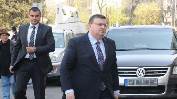 Цацаров представи пред ВСС мотивите си за отстраняването на Пенгезов