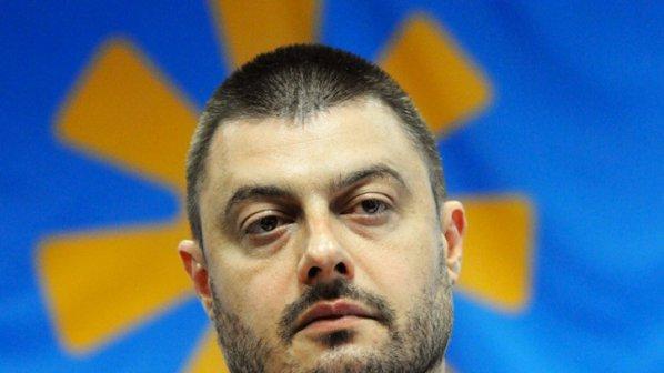 Бареков за исканото извинение: Борисов е политически примитив