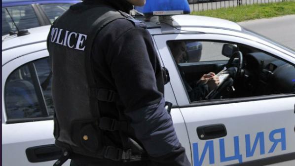 Мъж нападна с брадва охраната на хипермаркет в София