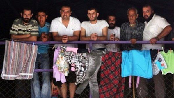 Разселват бежанци из цялата страна