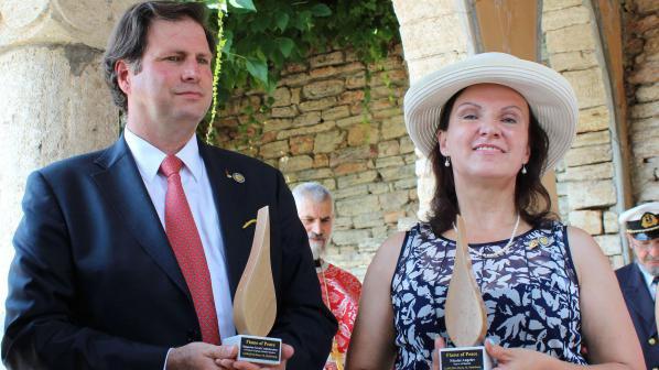 Правнук на румънската кралица награди кмета на Балчик (снимки)