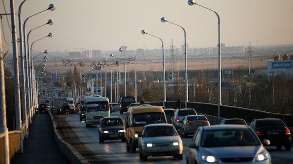 Русия с контрасанкции: Ще въвеждат ембарго за внос на западни коли