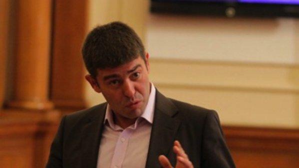 Страхил Ангелов: Явно Станишев участва в реденето на листите