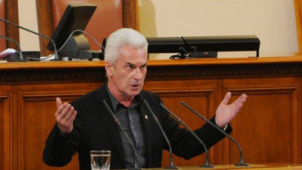 Сидеров сравни екоминистърката с наемен убиец (видео)