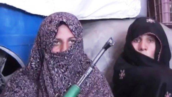 Почернена майка изби 25 талибани