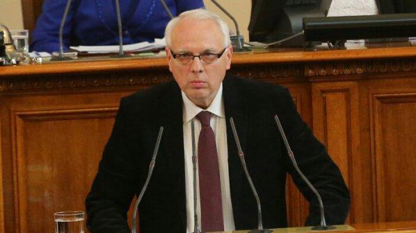 Велизар Енчев вече е независим депутат