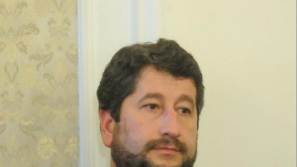 Христо Иванов: Нека помислим как да осигурим доверието в страната