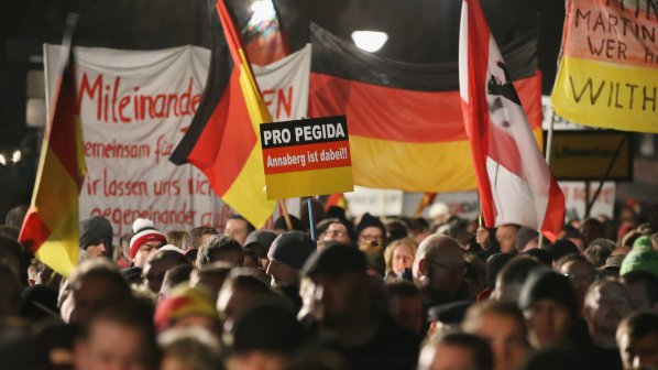 15 хиляди протестираха в Дрезден срещу ислямизацията на Германия