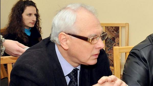 Каракачанов се страхува от Валери Симеонов, обяви независимият Енчев
