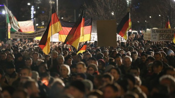 18 000 души на антиислямистко шествие в Германия
