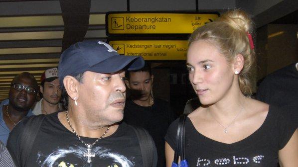 Марадона се подложи на фейслифтинг