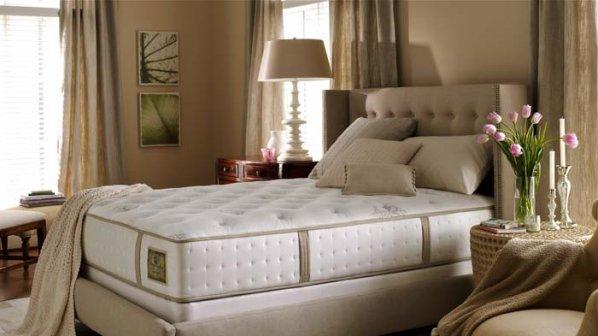 Как да почистим и освежим матрака на леглото?