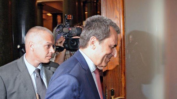 """Орешарски даде показания по делото срещу Батко от """"Пътния фонд"""""""
