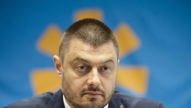 Бареков с два въпроса към Борисов и Плевнелиев