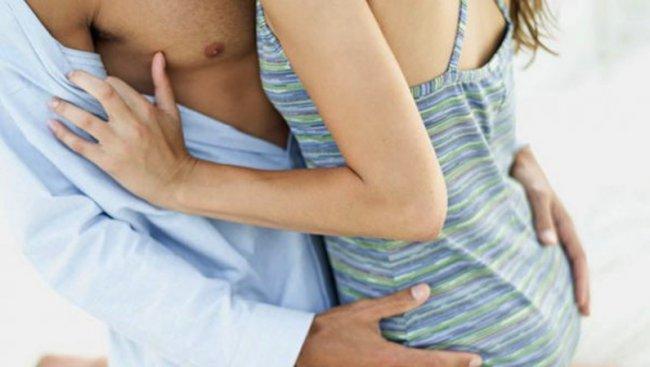 Българи търсят групов секс в Румъния