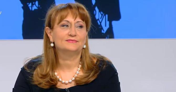 Лидия Шулева се закашля и притесни Цветанка Ризова в ефир