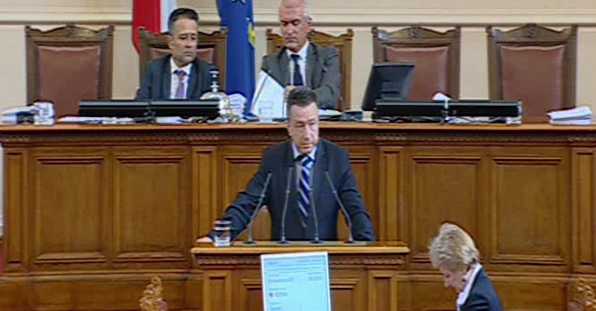 Янаки Стоилов: Има тревожни факти в Македония