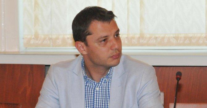 Делян Добрев: Приказките на Миков са опит за бягство от политическа отговорност