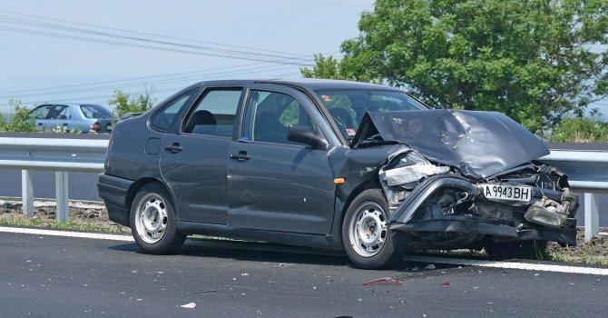 13 ранени на пътя за денонощие