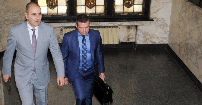 """Цветанов пак застава пред съда заради шестте """"Не"""""""