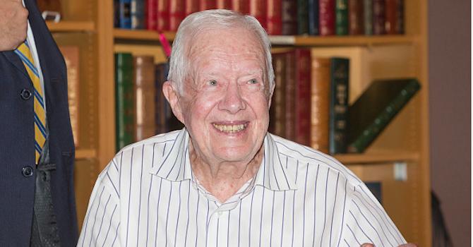 Оперираха бившия американски президент Джими Картър
