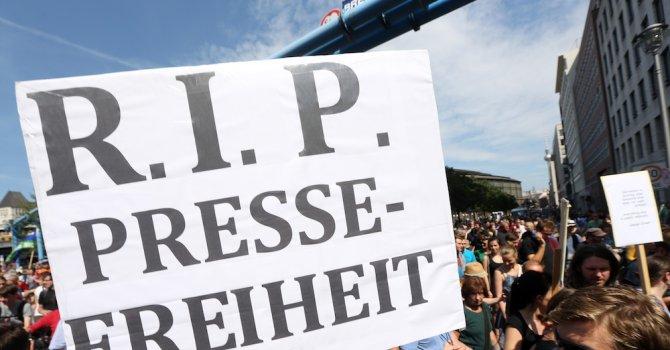 Германската прокуратура прекрати разследването за измяна срещу двама журналисти