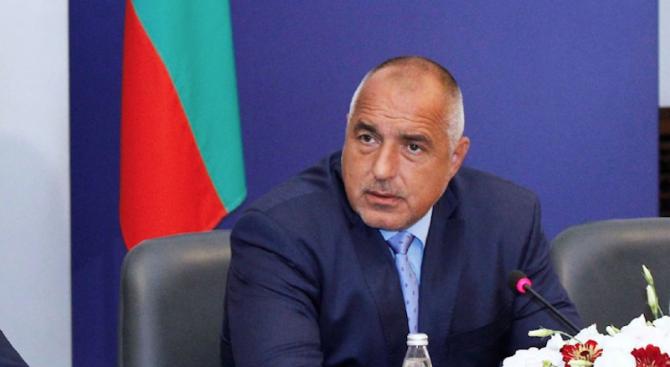 Борисов бесен заради лъжите на бензиностанциите, иска до събота на всички да се сложат нови пломби (