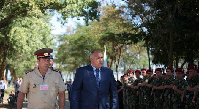 Борисов: Даваме 204 млн. лева за охраната на границите ни, военните са там, за да внасят респект (сн