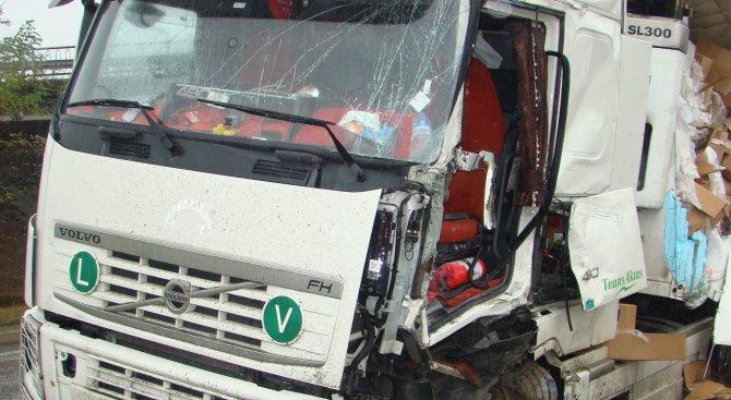 Турски ТИР премаза и уби на място пешеходец в Русе