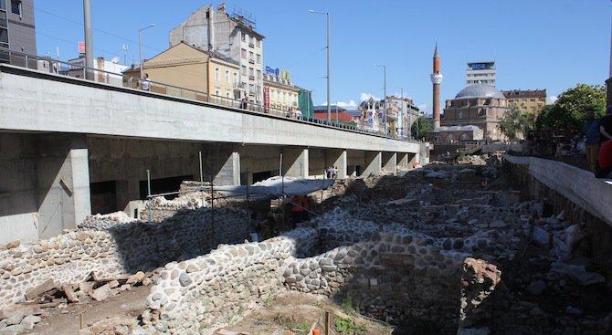 Уникална мозайка беше открита при разкопките на Ларгото (снимки)