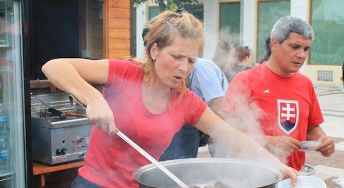 Каварна изпраща лятото с Миден и рибен фестивал