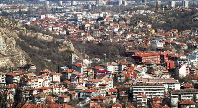 Пловдив посреща Деня на Съединението с 306 нови знамена