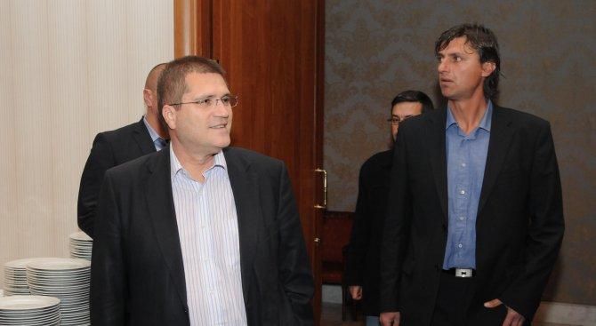 """Николай Цонев се закани: Ще пусна локум """"Патриотичен фронт"""""""