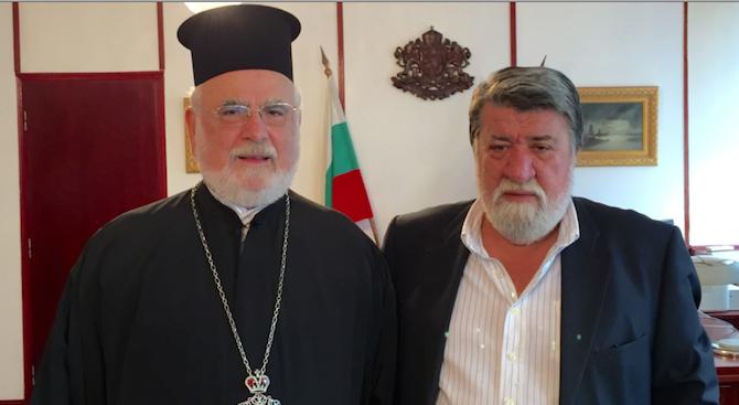 """Рашидов обсъжда с епископ Тихон ремонта на """"Св. Ал. Невски"""""""