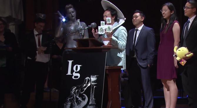 Раздадоха Антинобеловите награди за 2015 (видео)