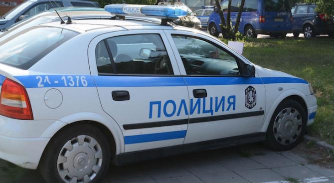 Маскирани фенове пребиха младежи в заведение в София