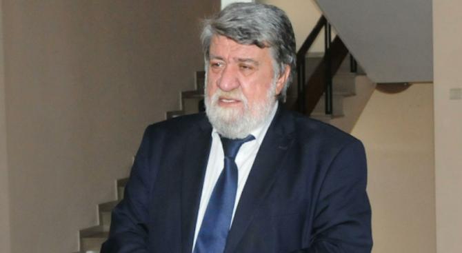Поведението на Сидеров е срам за нацията, обяви културният министър