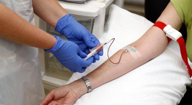 Ракът ще може да се диагностицира само с една капка кръв