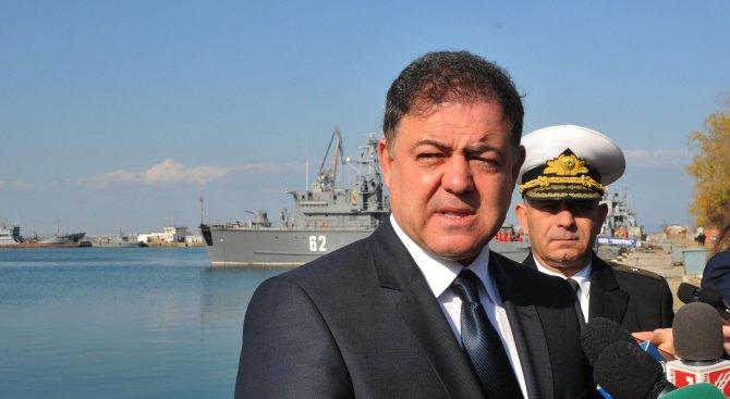 Министърът на отбраната намали дневния порцион на курсантите с 2 лв.