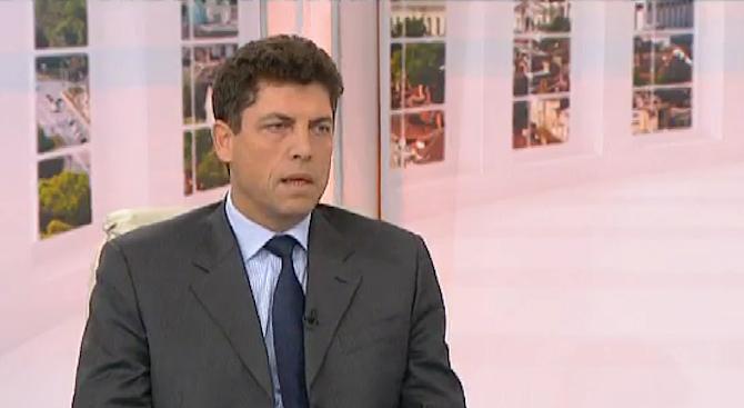 Велчев: Няма да има икономически сътресения след атентатите в Париж