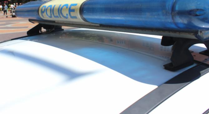 Кола изгоря при катастрофа в центъра на София, по чудо няма жертви