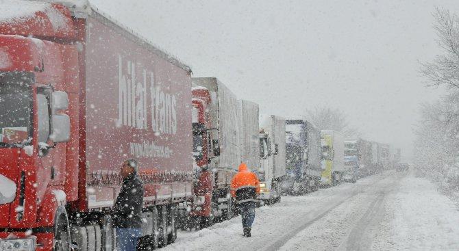Тръгвайте на път само с подходящи гуми, предупреди АПИ шофьорите от Северозапада