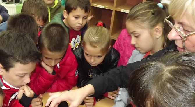 87 деца в Благоевград са настанени в приемни семейства
