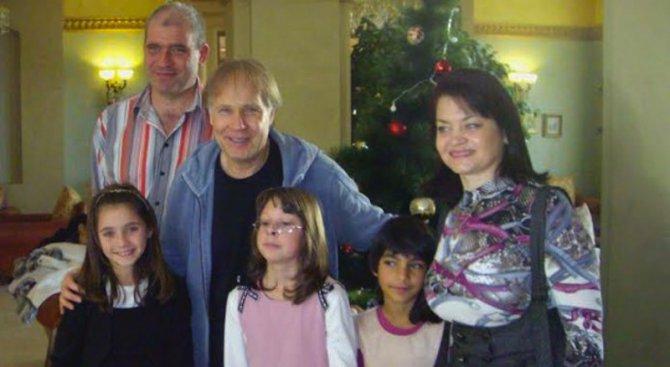 Ричард Клайдерман се срещна със SOS приемно семейство