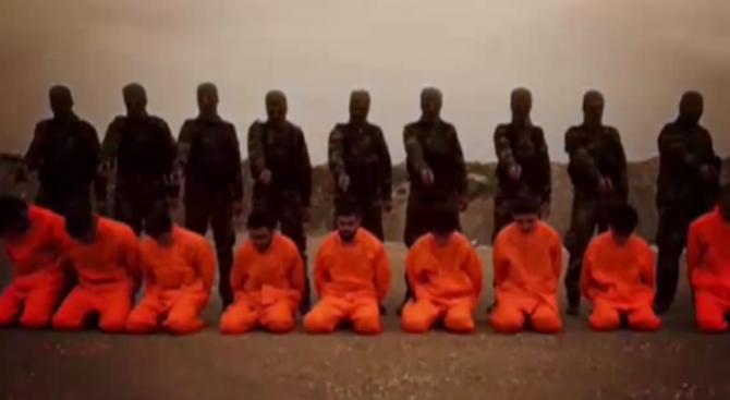 """Сирийски въстаници показаха """"екзекуция"""" над терористи от ИДИЛ (видео)"""