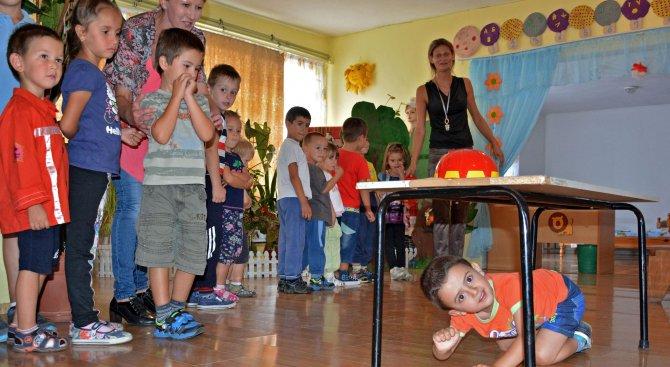 800 хлапета чакат на опашка за градина в София