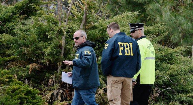 ФБР не намери нищо, свързано с разследването, в претърсваното езеро в Сан Бернардино